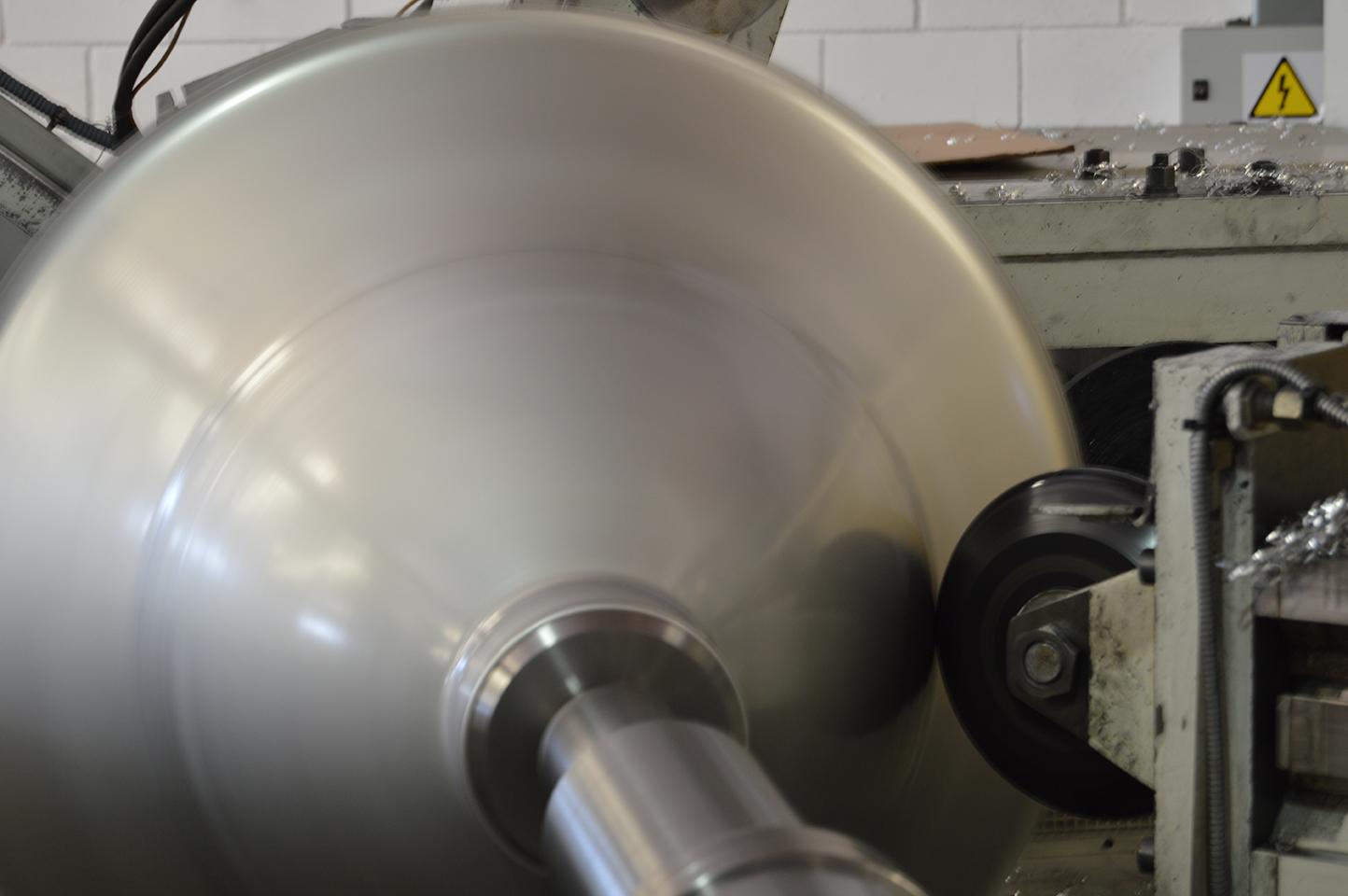 Repulsados, repulsado, entallado metálico, metal spinning, repousagge